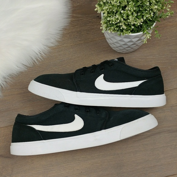 83dca7cb49 Nike Shoes   Mens Toki Low Txt Casual Shoe Black White   Poshmark